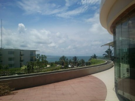 Beach view, dari Beach Walk mall