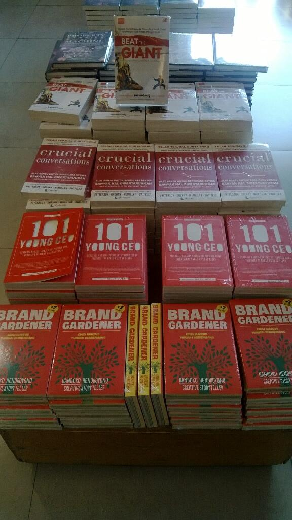 101 Young CEO Bersama Buku-buku Top